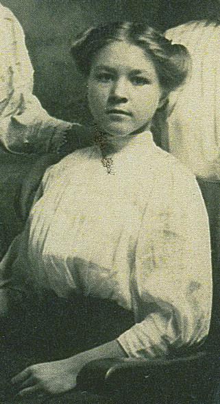 00000005 Anna Helena Paulina circa 1920 copy